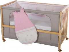 16201 a 16301 Postýlka Roba Room Bed se spacím pytlem